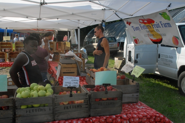 lauraville market photo 2