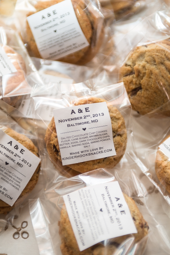 annette wedding cookies